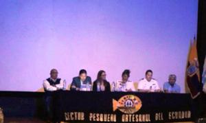 Autoridades durante el desarrollo del evento.