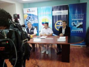 Miembros del Comité ERFEN durante la rueda de prensa.