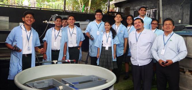 El Instituto Nacional de Pesca recibe a estudiantes interesados en conocer sobre la investigacion pesquera y acuicola.