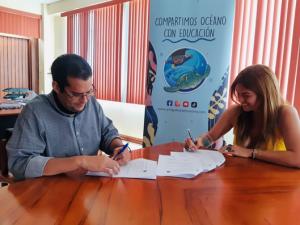 IPIAP firma convenio Amiguitos del Océano